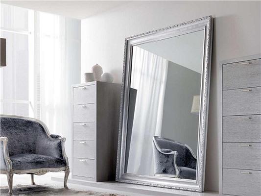 Высокое зеркало – как дополнить любой интерьер